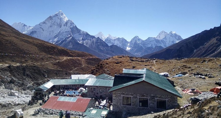 Everest-chola-pass-trek