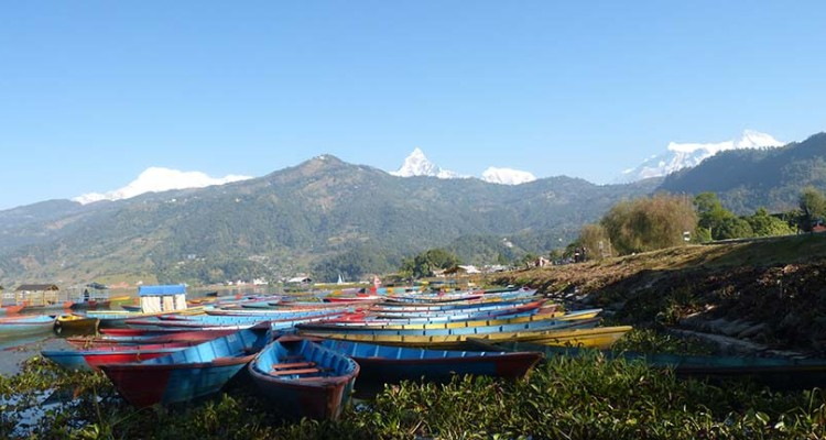 Pokhara-phewa-lake-and-Mt.-Machhapuchhre