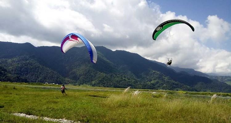 paragliding-flight-in-pokhara2