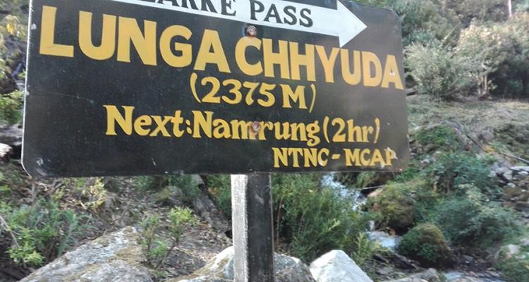 manaslu-trekking-larka-pass