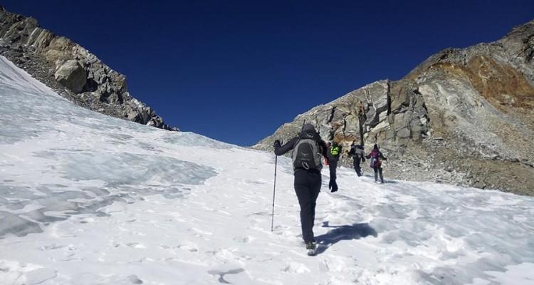 paradise-high-pass-trekking