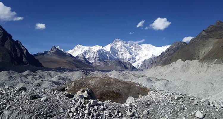 Mt.-Cho-oyu-view-from-the-glacier