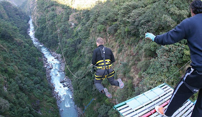 Bungy Jumping over Bhote Khosi river